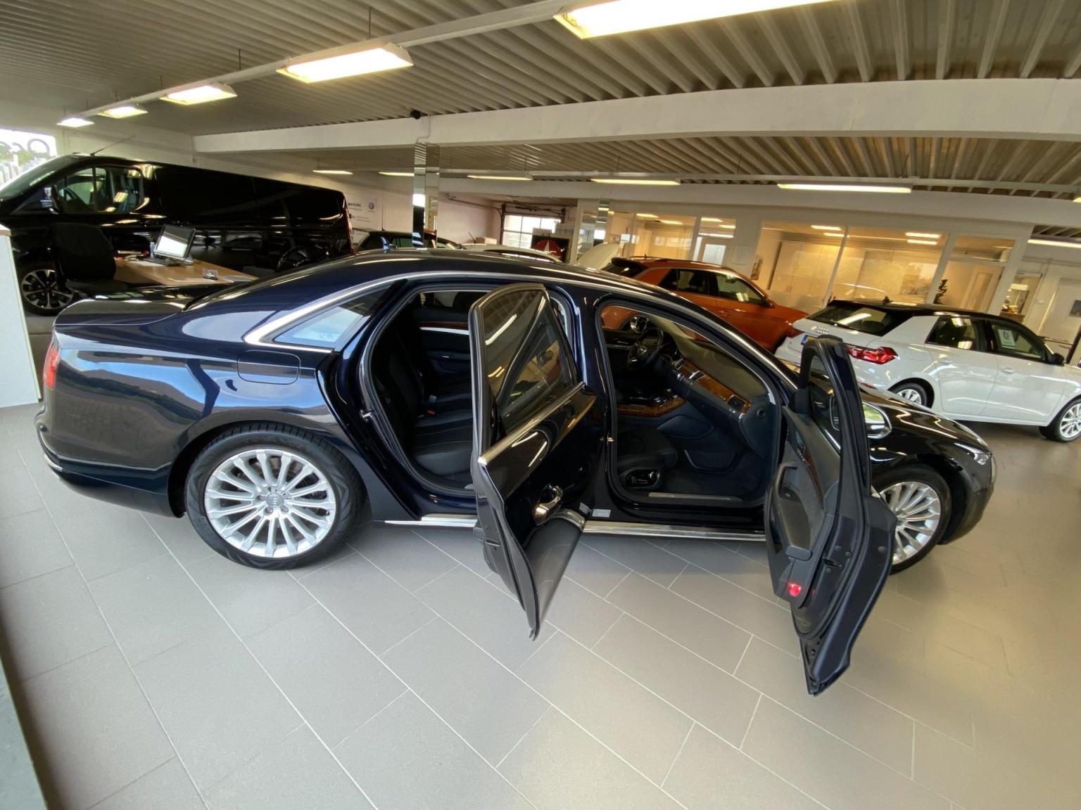 Audi-A8-54