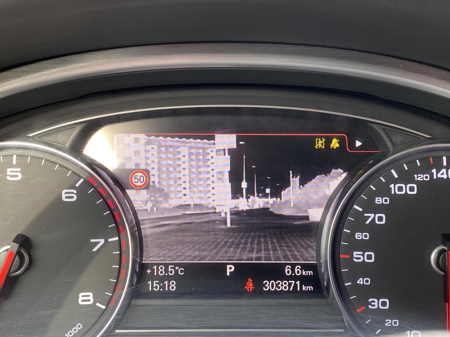 Audi-A8-18