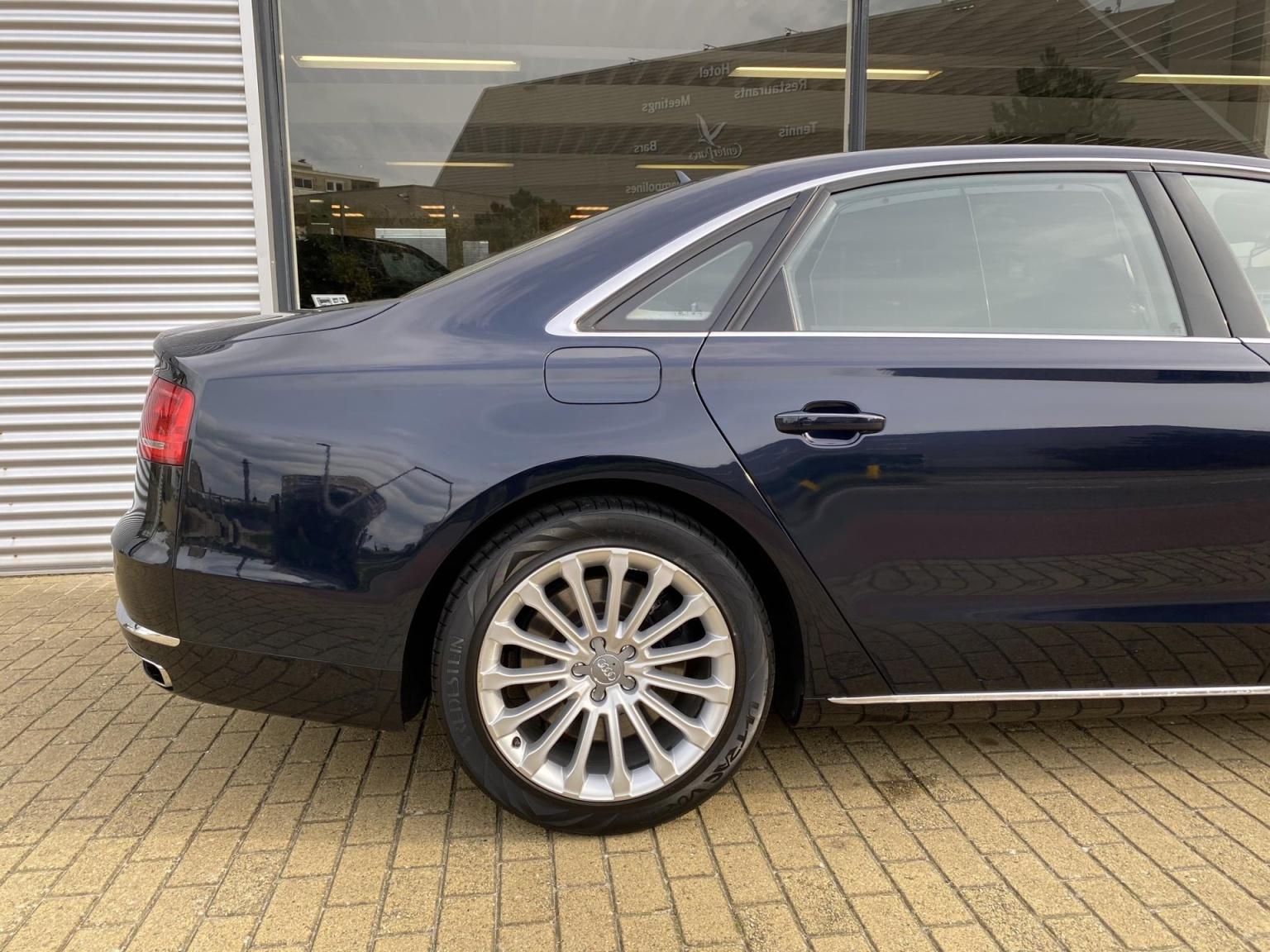 Audi-A8-21